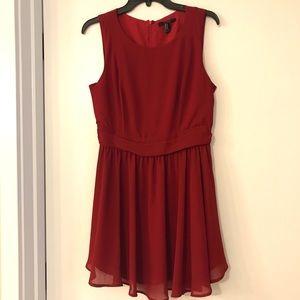 Dresses & Skirts - Stunning A-Line Sleeveless Red Dress 💃🏻